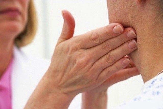 Увеличены подчелюстные лимфоузлы. Причины, лечение воспаления подчелюстных лимфоузлов