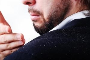 Зуд кожи головы: причины, лечение. Как избавиться от зуда головы