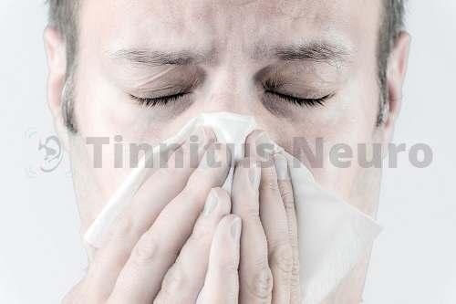 Свист в ушах, причины и лечение постоянного свиста в ушах и голове