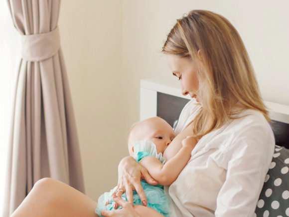 Колики у новорожденного: причины, лечение