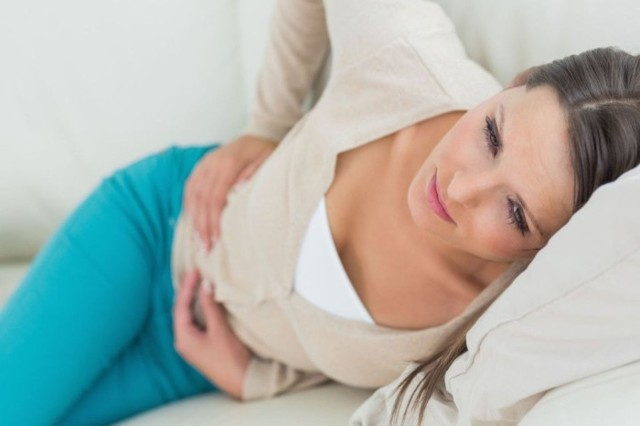 Боль в яичниках: симптомы, причины, почему болит левый (правый) яичник