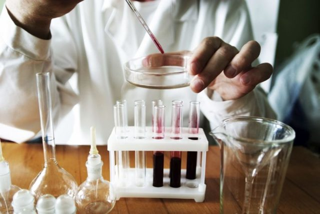 Лейкоциты повышены у взрослого, о чем это говорит? Причины повышенного уровня лейкоцитов у взрослых