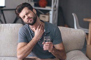 Чем полоскать горло при ангине в домашних условиях? Полоскание горла при гнойной ангине
