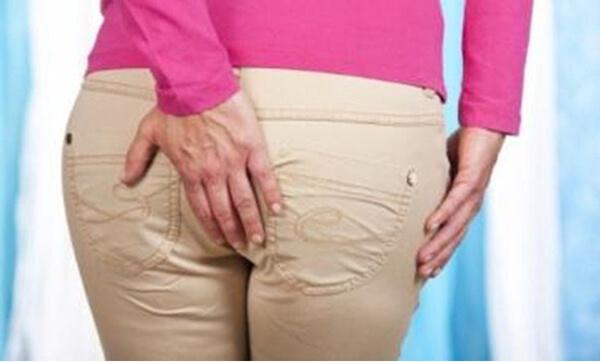 Боль в заднем проходе у мужчин и женщин, причины сильной и резкой боли в заднем проходе
