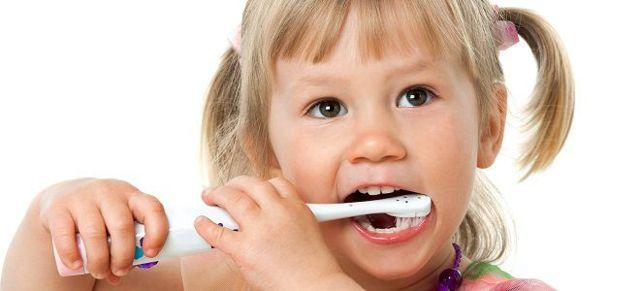 Почему белый налет на языке у ребенка: причины